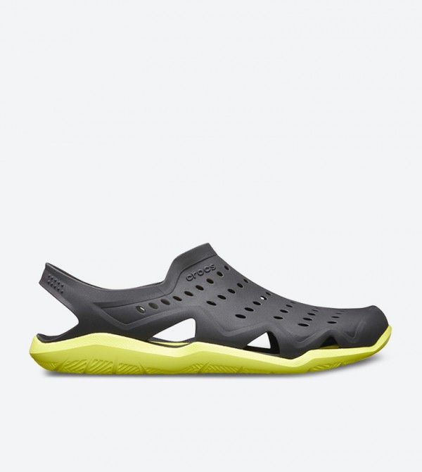 Swiftwater Wave Black Clogs